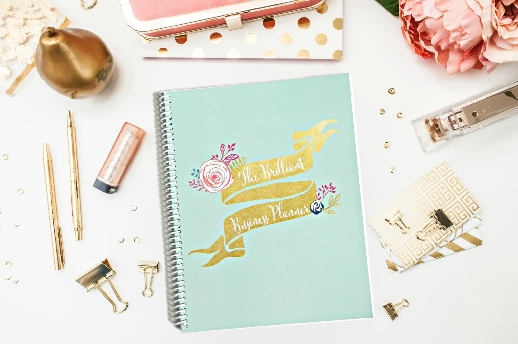 Love this planner! I can organize my personal life and my business all in one place. I've never seen another planner like it! | brilliantbusinessmoms.com/planner